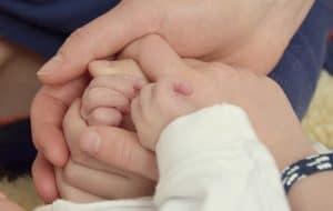 hands-620933_640